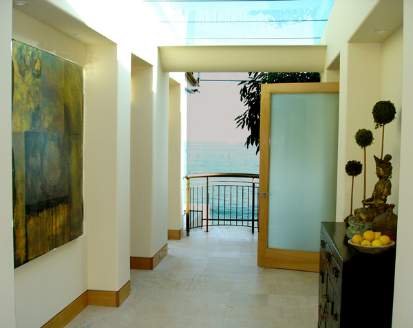 Emerald-Bay-Hallway-Ocean-View-Interior-Design-600