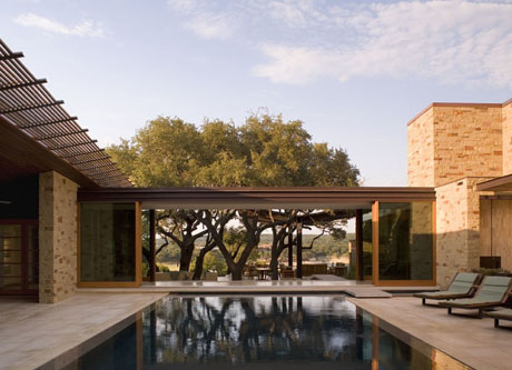 Modern Courtyard Design with Pool