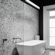 Hexagon_Tile_Bathroom_Design-e1450496953735
